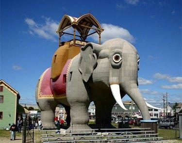 hotel shaped like elephant