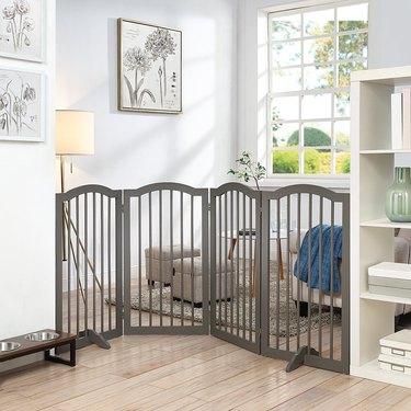 free standing pet gate