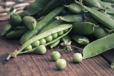 Pea pods with Basket