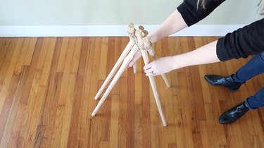 Standing the dowels upright