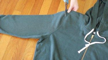 Cutting off sleeve