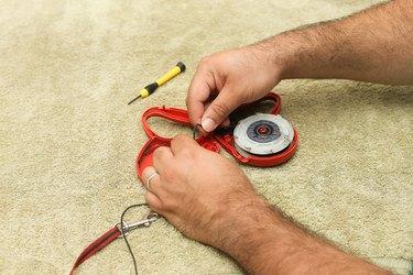 Taking apart a Flexi leash