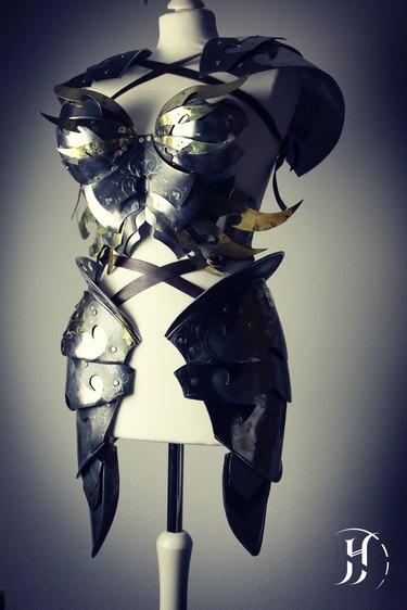 Example of Alan's armor.