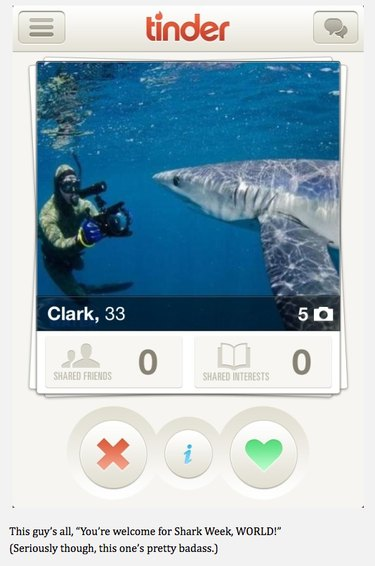 Diver photos shark underwater for Tinder picture