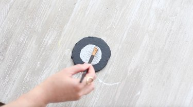 painting a wheel