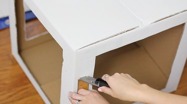 Cutting slits in corners