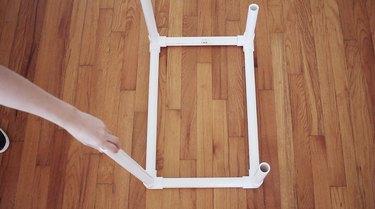Inserting legs into third level