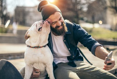 An Expert's Guide To Taking The Perfect Selfie With Your Pet