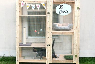 How To Turn An IKEA Shelf Into A Catio