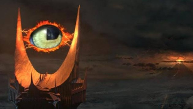 cat photoshopped into Lord Of The Rings