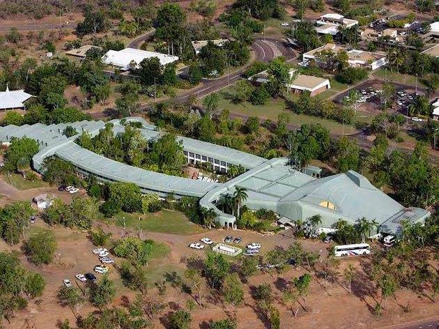 hotel shaped like crocodile
