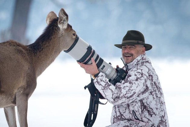 Animals interrupting wildlife photographers is our new favorite thing