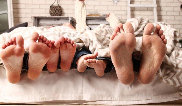 feet happy family