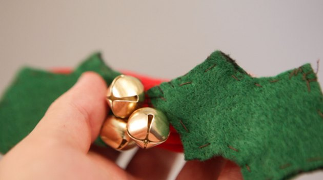 How To Make Your Own DIY Christmas Dog Collar